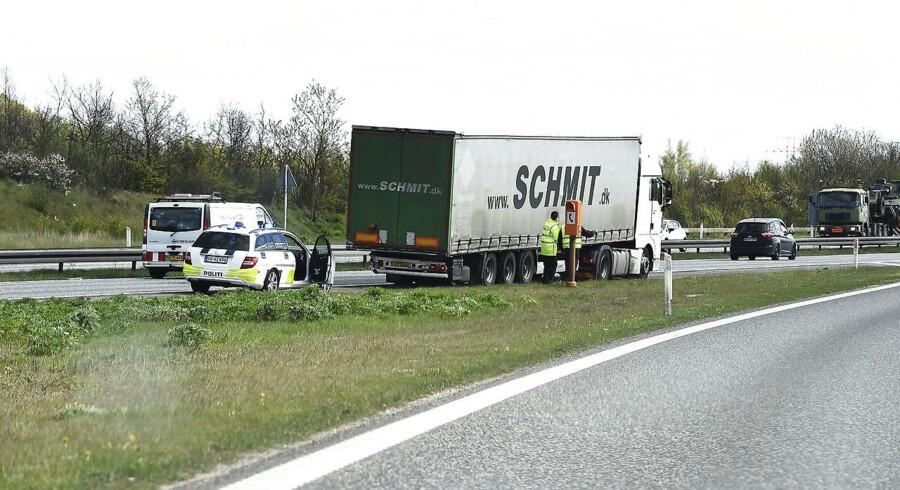 En varebil og en lastbil er involveret i en ulykke, som er fundet sted på Nordjyske Motorvej tirsdag morgen. (Foto: Henning Bagger/Scanpix 2017)