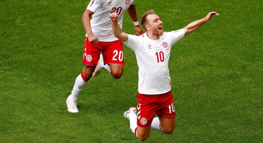 VM i fodbold er tidens store samtaleemne. Her har Christian Eriksen netop scoret mod Australien.