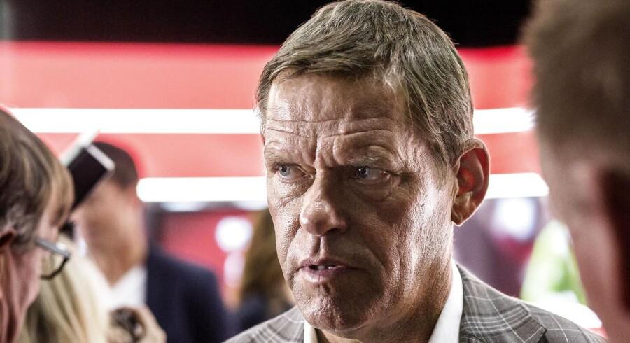 Tusindvis af danske TV-seere fra torsdag igen mulighed for at tune ind på Kanal 5 og fodboldeksperten Frank Arnesen.