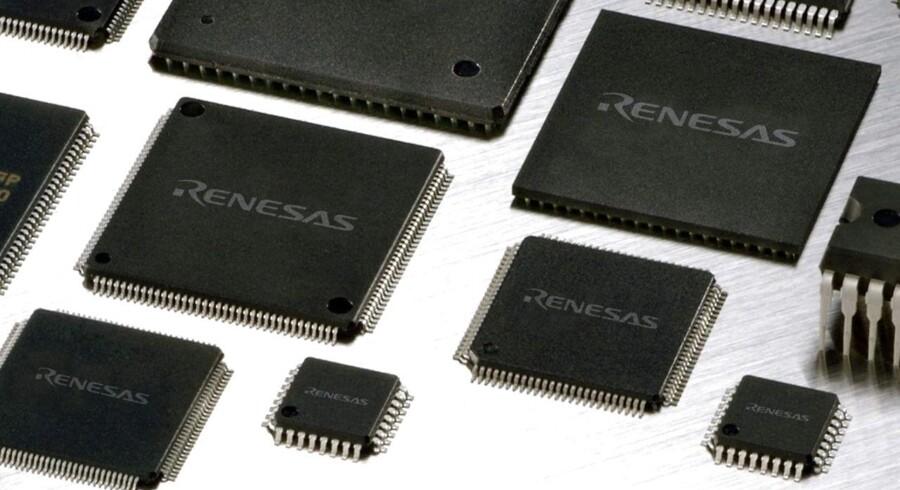 Renesas er en af verdens store producenter af mobilchips. Apple vil gerne overtage forretningen, som i forvejen leverer til Apples iPhone-telefoner. Arkivfoto: EPA/Scanpix