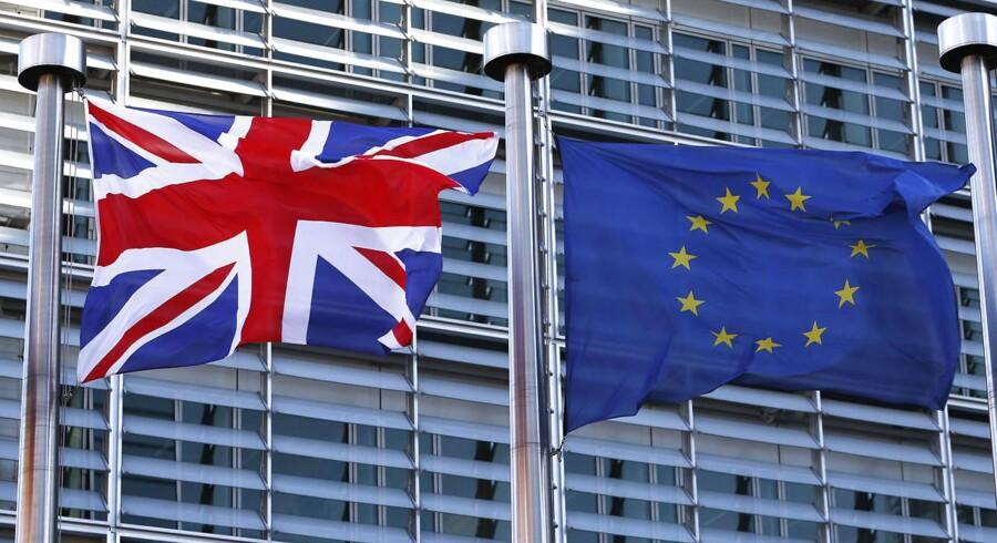 Den britiske folkeafstemning om ja eller nej til medlemskab af EU kan skubbe investorer væk fra pund og over i andre valutaer.