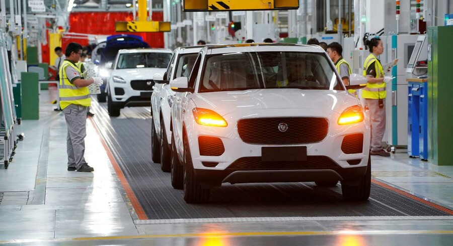 Storbritanniens største bilproducent, Jaguar Land Rover, advarer om, at det forestående brexit kan koste selskabet op mod 1,2 mia. pund i overskud om året, hvis ikke der er fri adgang til EU's markeder.