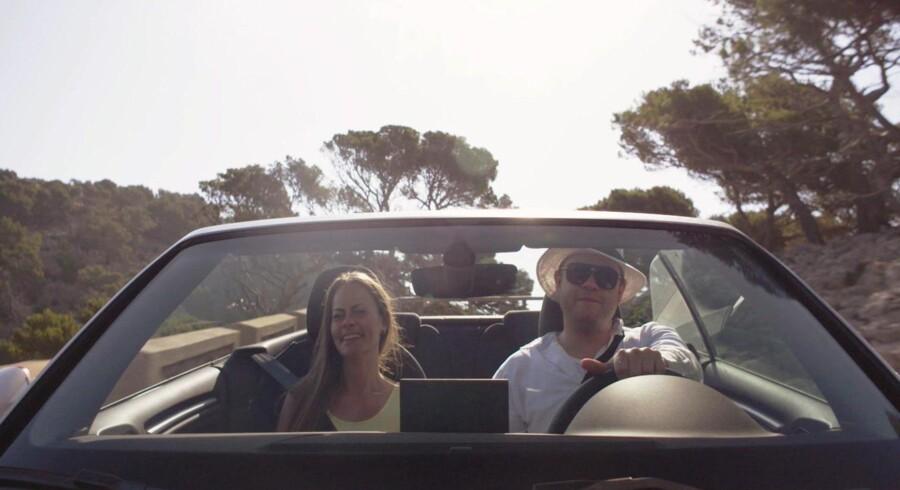 """Historien om Casper Rieper-Holm og Amanda Kastrup er højaktuel i en tid, hvor falske profiler og identitetstyveri er hverdagskost. Det er så nemt at blive snydt på på de sociale medier, hvor vi alle tilbringer tid dagligt, fortæller filmens instruktør Nicole N. Horanyi, der har lavet """"En Fremmed Flytter Ind"""" i samarbejde med Third Ears Krister Moltzen. Pressefoto: Made In Copenhagen."""