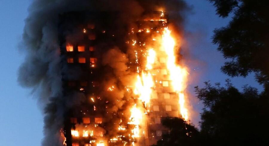 Ulovlig isolering er årsagen til, at branden i højhuset Grenfell Tower endte med at koste 79 mennesker livet. AFP PHOTO / Daniel LEAL-OLIVAS