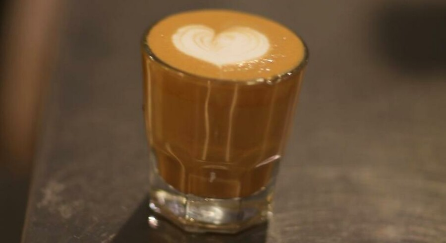 Espresso er ikke bare espresso, skriver vore to dommere, som har testet fem af tidens maskiner.