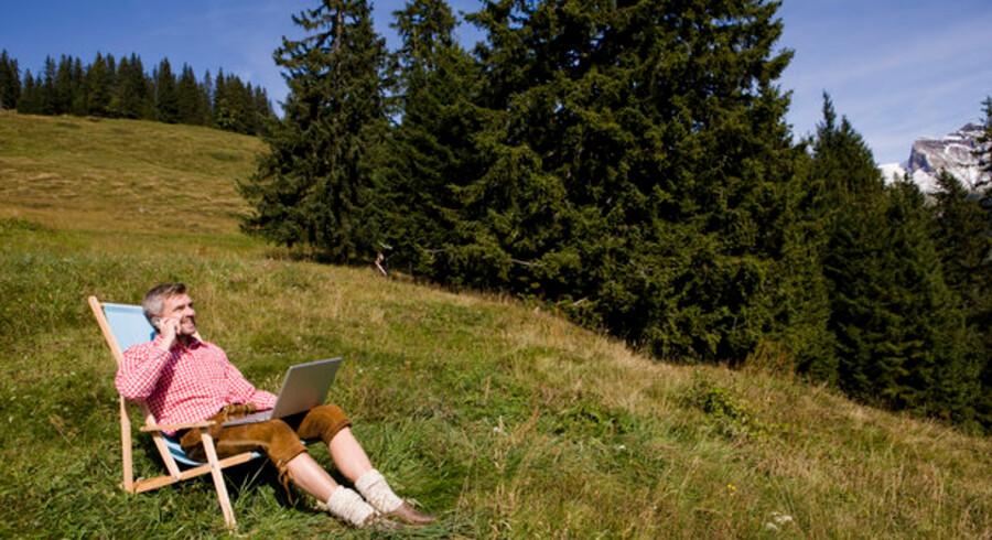Når man sidder på en alpetop, er det ligegyldigt, om man er TDC-, 3- eller Telia-kunde - prisen er præcis den samme for at bruge data. Foto. Colourbox
