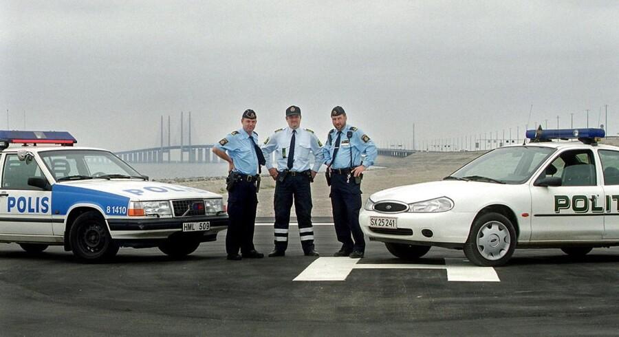 Svensk politi har ikke blot ret til at kontrollere den kørende trafik over grænsen, men også datatrafikken, der går den vej.