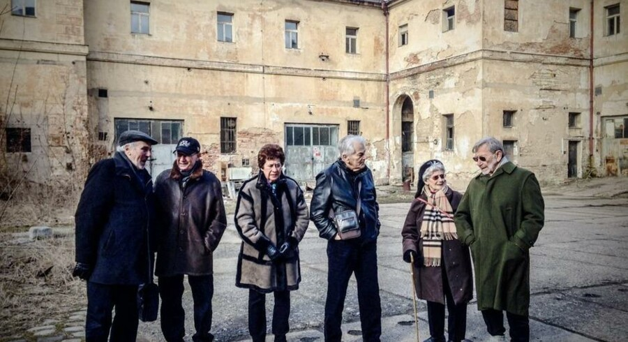 De seks overlevende i Theresienstadt. Fra venstre: Max Gritzman, Poul Brandt, Birgit Krasnik Fischermann, Josva Aktor, Ellen Oppenhejm og Salle Fischermann. Foto: DR