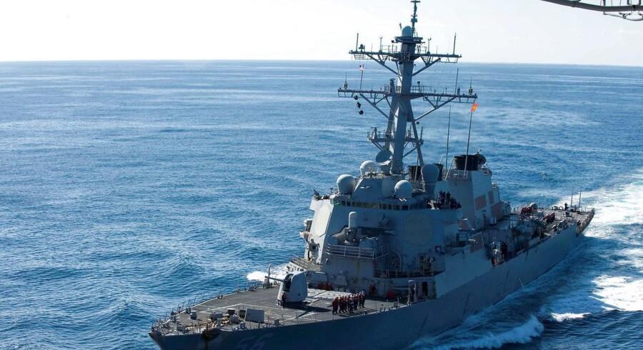 »USS John S. McCain« er det seneste af en række amerikanske flådefartøjer, der har været involveret i ulykke. Kollisionen kom på det værst tænkelige tidspunkt: Lige midt i konflikten med Nordkorea. Foto: US Navy