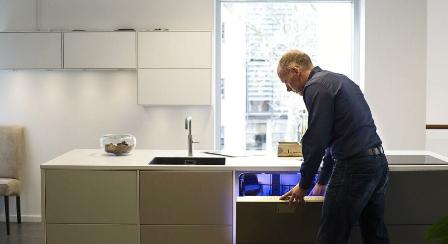 TCM Group fremstiller køkkener, og der er tale om en multibrandstrategi med mærkerne Svane, Tvis, Nettoline og Kitchn.