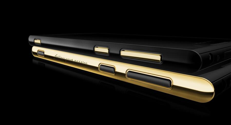 Russiske rigmænd og arabiske millionærer samt enkelte danskere vil gerne skille sig ud med den danske smartphoneproducent Lumigons nyeste telefon, T3, en Android-telefon med nye funktioner som nattesyn. Telefonen kan fåes guldbelagt og med indgraveret navn. Foto: Lumigon