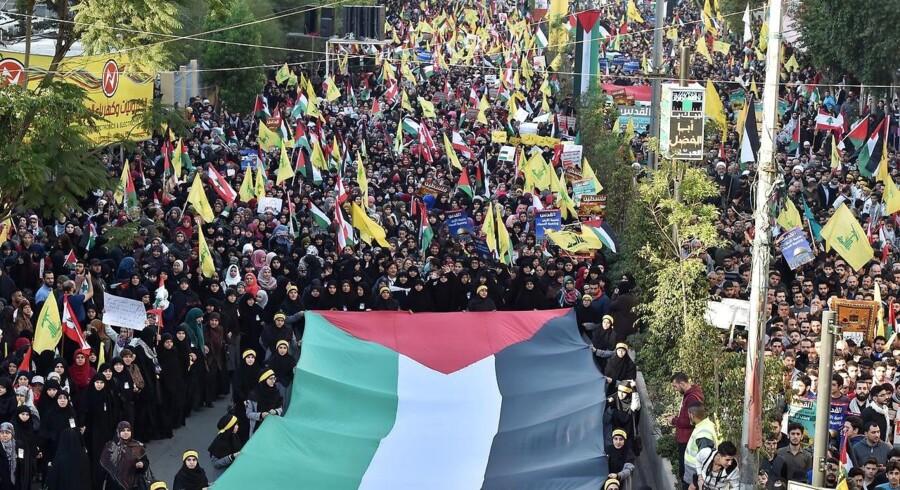 Hizbollahs leder, Hassan Nasrallah, opfordrede i sidste uge bevægelsens tilhængere til at gå på gaden for at vise deres modstand mod Trumps beslutning.