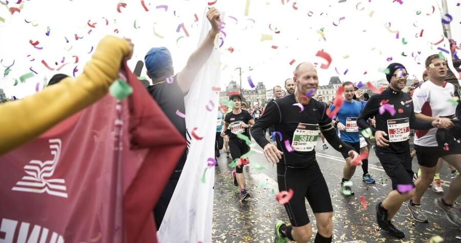 Sundhedsidealet i dagens Danmark ligner nærmest en religion, en slags »renhedskult«, mener ph.d. i anvendt filosofi Morten Ebbe Juul Nielsen, som underkaster sundhedsbølgen et kritisk blik i sin nye bog »Forbandede Sunddom«. ARKIVFOTO: Copenhagen Marathon.