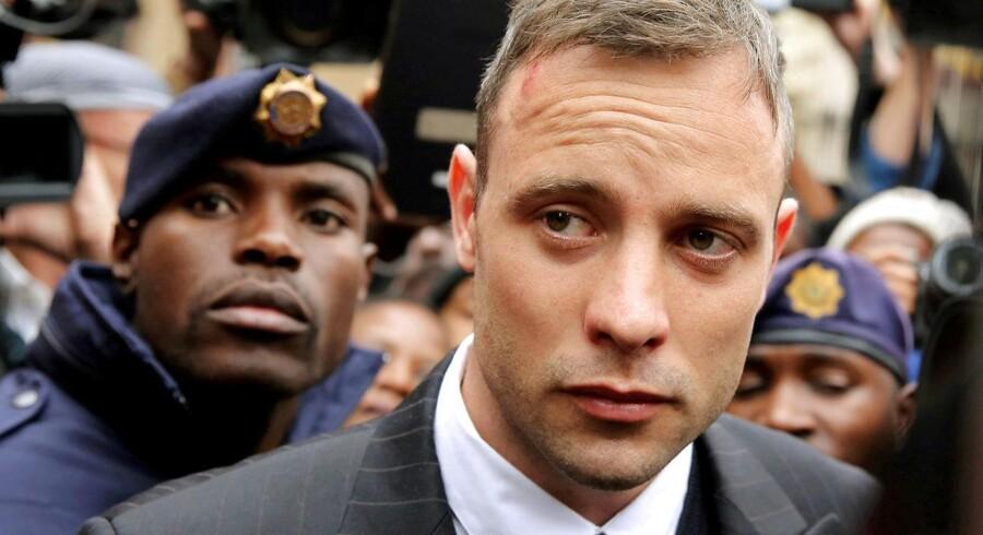 Stjerneatleten Oscar Pistorius der er dømt for drabet på kæresten Reeva Steenkamp.