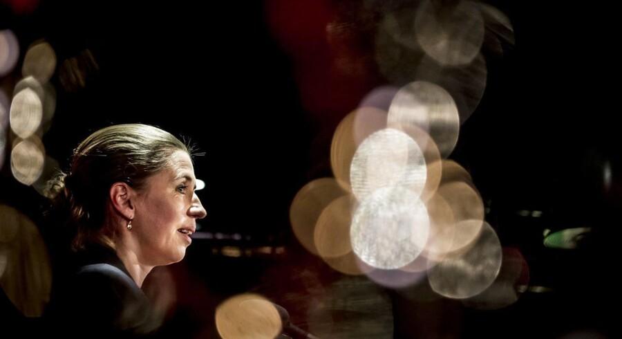 Socialdemokratiets formand Mette Frederiksen taler til socialdemokratiets valgfest på valgdagen under Kommunalvalget 2017 i Amager Bio i København, tirsdag den 21. november 2017. (Foto: Mads Claus Rasmussen/Scanpix 2017)
