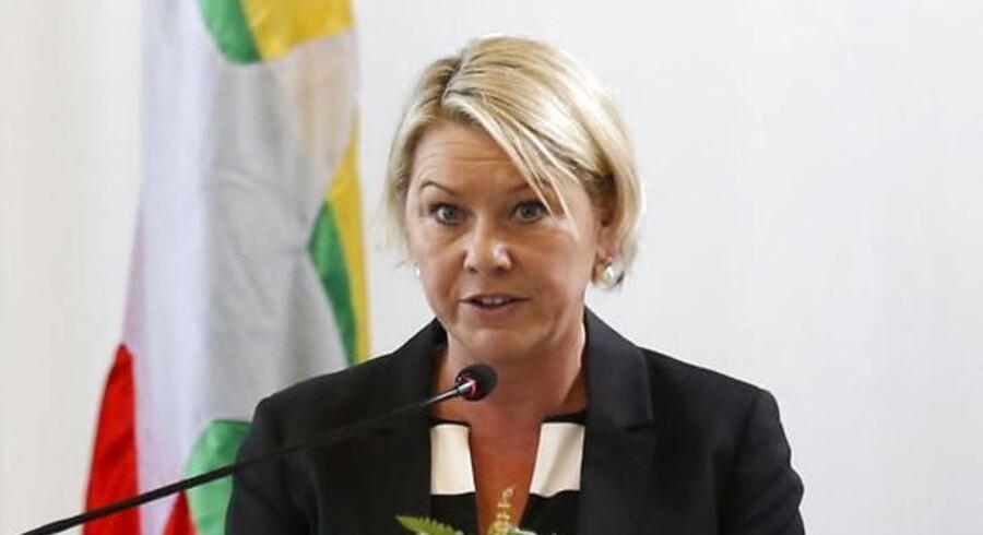 Den norske erhvervsminister Monica Mæland var klar med en fyreseddel til Telenors bestyrelsesformand, som ikke har handlet godt nok i betænkt bestikkelsessag, mener hun. Arkivfoto: Lynn Bo Bo, EPA/Scanpix