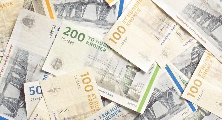 Hvis det står til regeingen skal det være billigere i skat, at bruge 100000 kroner på aktier.