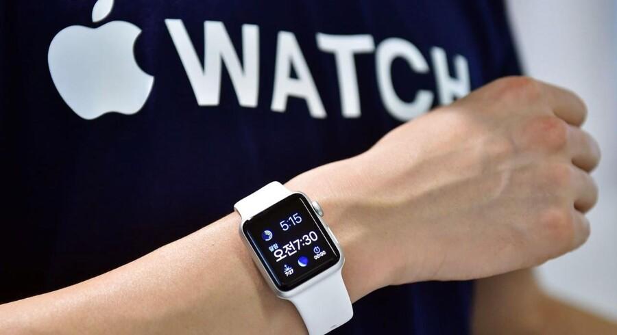 Det nye Apple Watch ser ikke ud til at have levet op til analytikeres og branchekenderes forventninger.
