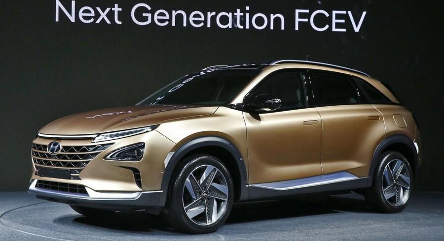 Hyundais seneste designkendetegn, Cascading Grille, den smeltende grill, vil være at finde også på produktionsudgaven, som præsenteres i starten af 2018