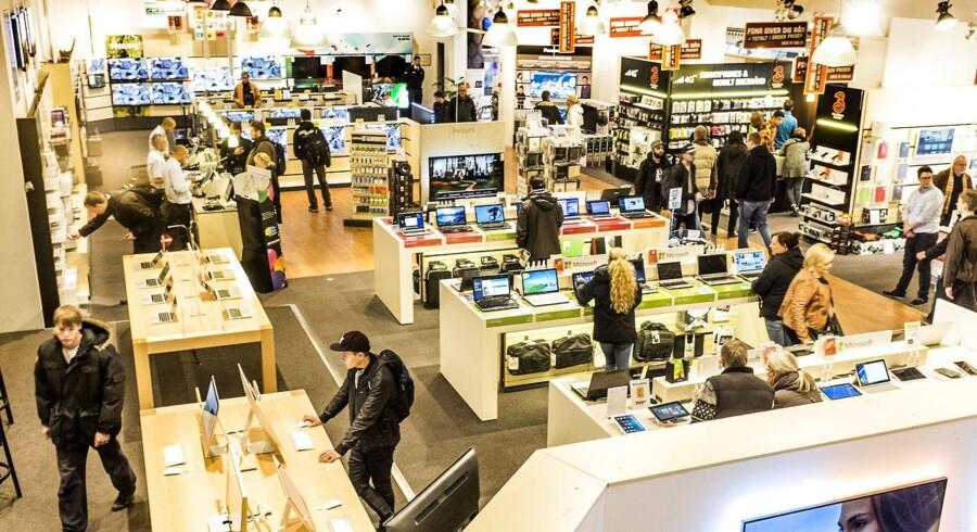 Fona har indgået aftale med »3«, som nu rykker ind i 40 Fona-forretninger landet over med særlige salgsområder. Arkivfoto: Søren Bidstrup, Scanpix