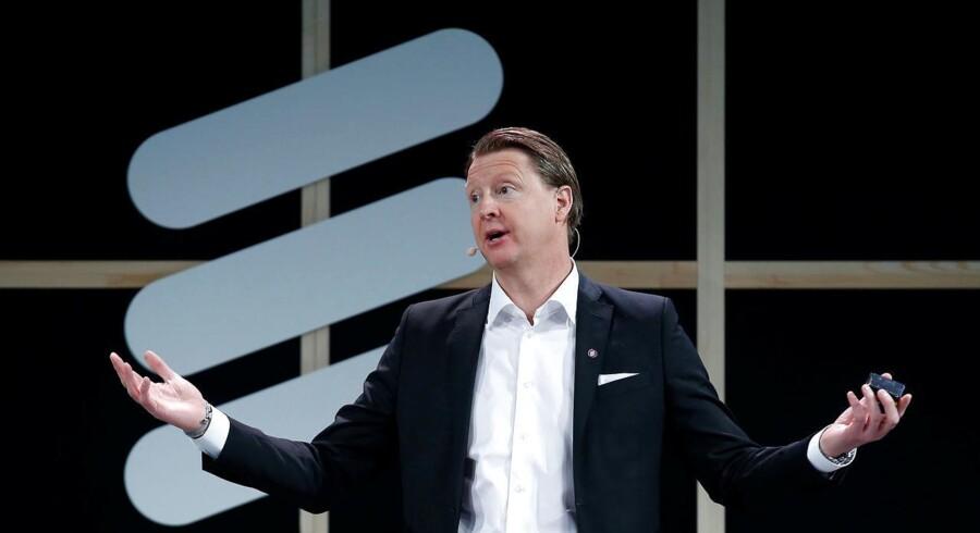 Administrerende direktør, Hans Vestberg, fratræder sin stilling med øjeblikkelig virkning, og erstattes midlertidigt af finansdirektør Jan Frykhammer, oplyser selskabet i en meddelelse.