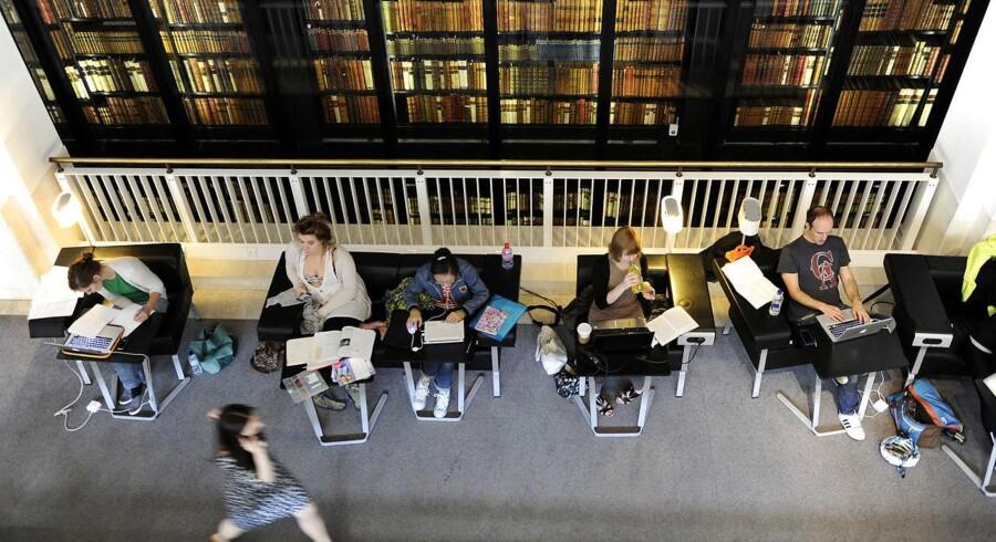 British Library i London er en af de mange institutioner, som har indgået aftale med Google om at indscannede gamle bøger. Biblioteket stiller med 250.000 titler fra samlingen fra tiden omkring den franske revolution til afslutningen på slaveriet. Arkivfoto: Paul Hackett, Reuters/Scanpix