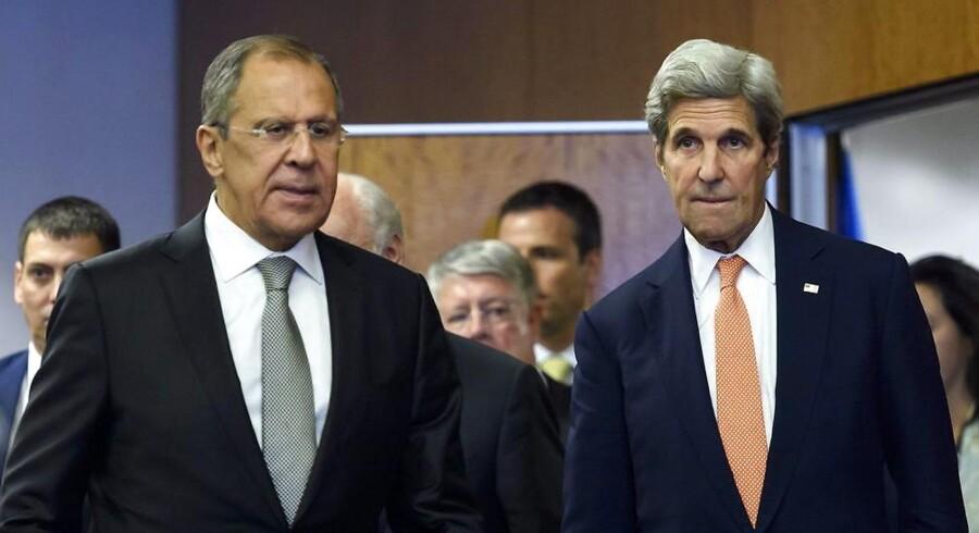 Den amerikanske, John Kerry, og den russiske udenrigsminister Sergej Lavrov blev fredag enige om en fredsaftale for Syrien.