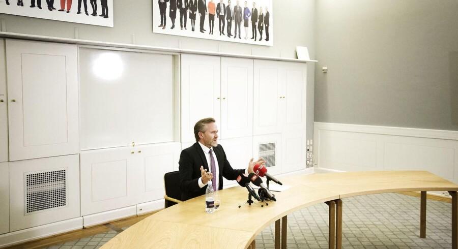 Liberal Alliancers leder Anders Samuelsen holder pressemøde på Christiansborg angående partiets holdning til de aktuelle finanslovsforhandlingerne tirsdag den 19. december 2017. . (Foto: Jens Astrup/Scanpix 2017)
