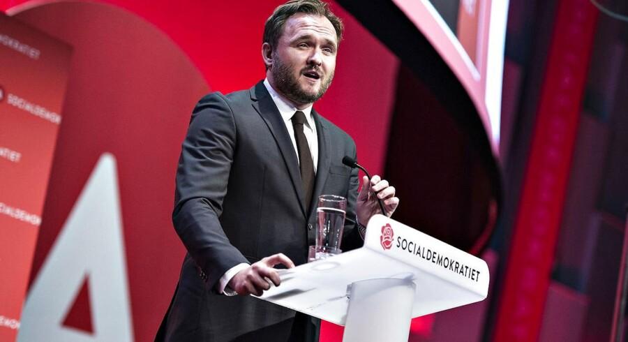 En minirokade i Socialdemokratiet betyder, at Mattias Tesfaye (S) overtager Dan Jørgensens (S) post som udlændinge- og integrationsordfører.