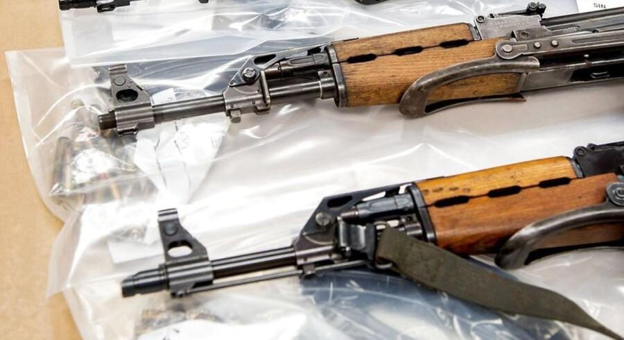Så mange penge tjener organiserede kriminelle i Europa ifølge et nyt europæisk forskningsprojekt hvert år på at handle med kopivarer, narko og våben