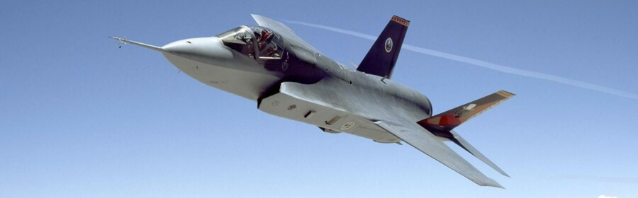 Det er endnu kun omkring 90 af de flere tusind planlagte udgaver af det amerikanske jagerfly F-35 Joint Strike Fighter, der er kommet på vingerne, men allerede nu er der tegn på, at flytypen er favorit blandt de fire mulige fly, der kan erstatte de danske F16-fly.