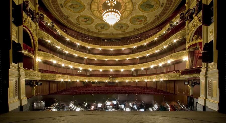»Hvis teateret skiller sig af med Gl. Scene, vil der være flere penge til at højne de kunstneriske ambitioner og dermed leve op til rollen som et på alle måder kongeligt teater,« mener Jens-Kristian Lütken.