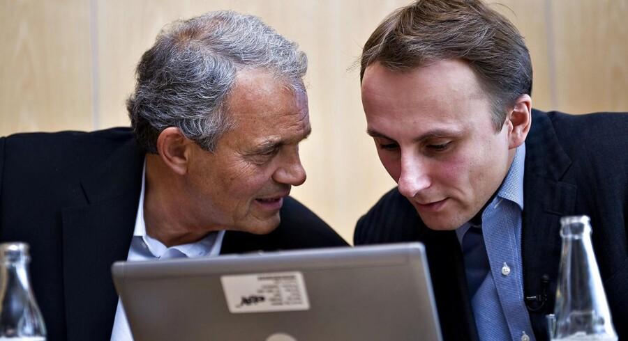 Jacob Fonnesbech Aqraou (til højre) var tovholder, da eBay for nogle år siden købte Den Blå Avis af Karsten Ree (til venstre) for 2,1 milliarder kroner. Nu skal Jacob Aqraou ind i Telenors bestyrelse i Norge. Arkivfoto: Rune Evensen, Scanpix