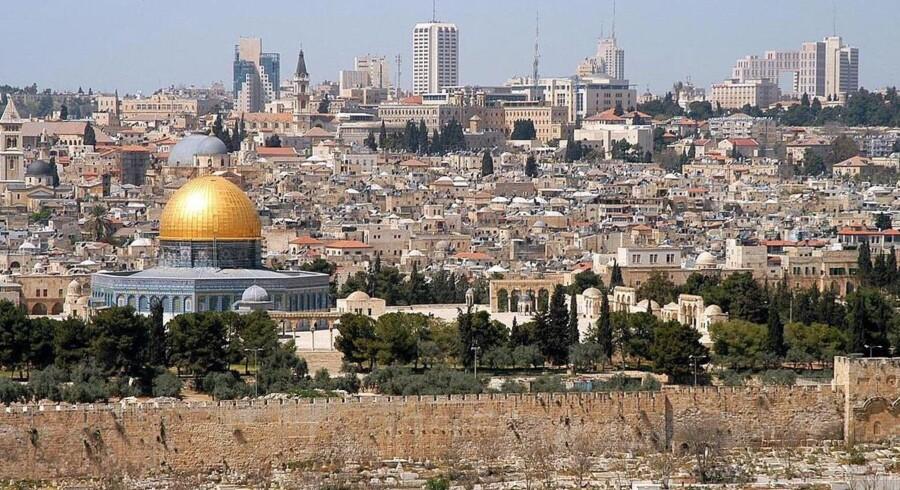 Israel besatte det østlige Jerusalem under Seksdageskrigen i 1967 og annekterede det senere i et træk, som aldrig er blevet anerkendt af det internationale samfund. Det ser hele byen som dets udelelige hovedstad, mens palæstinenserne vil have den østlige sektor som hovedstad i deres fremtidige stat. Free/Wikimedia Commons/wayne Mclean