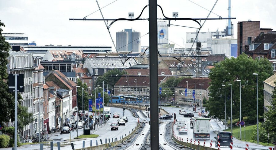 Trafik-, Bygge- og Boligstyrelsen har fredag afvist at godkende Letbanen i Aarhus. Dermed kan Letbanen ikke åbne som planlagt lørdag, oplyser bestyrelsen.