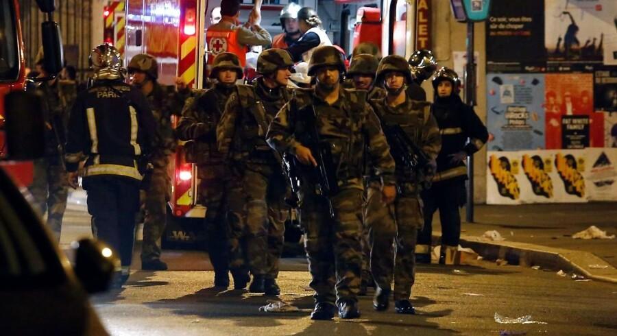 Der er dukket en del nye detaljer op om terrorangrebet i Paris.