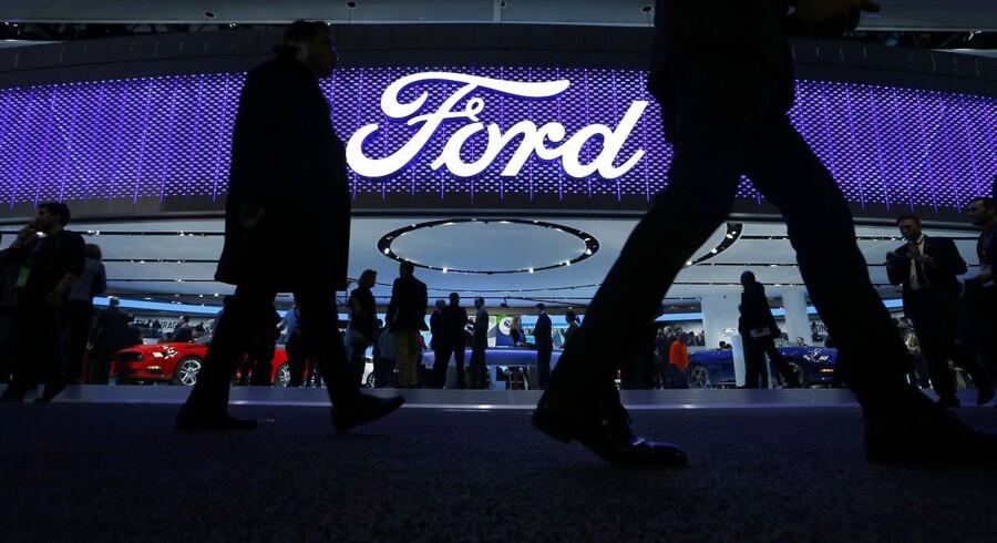 Den amerikanske bilkoncern Ford oplyste tirsdag, at den venter at rapportere et rekordoverksud før skat, når selskabet senere i denne måned offentliggør regnskab.