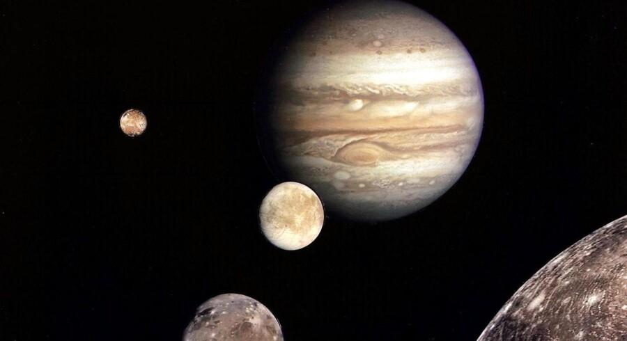 For en måned siden jublede astronomer verden over, da forskere tilknyttet det californiske Caltech-institut offentliggjorde, at der med endog meget stor sandsynlighed gemmer sig en vaskeægte planet op mod 100 milliarder kilometer fra Jorden.