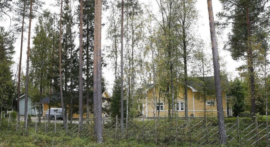 Det statslige økonomiske forskningsinstitut i Finland præsenterede i foråret en større analyse, som i korte træk slog fast, at de 5,4 millioner indbyggere i Finland arbejder for lidt og har for høje lønninger.