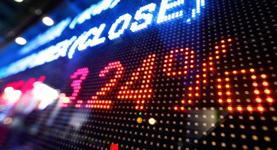 Men de asiatiske aktiemarkeder ligger blandet onsdag og uden entydige indikationer fra Wall Street, foretrækker mange investorerne at forblive på sidelinjen op til afslutningen af det pengepolitiske møde i den amerikanske centralbank.