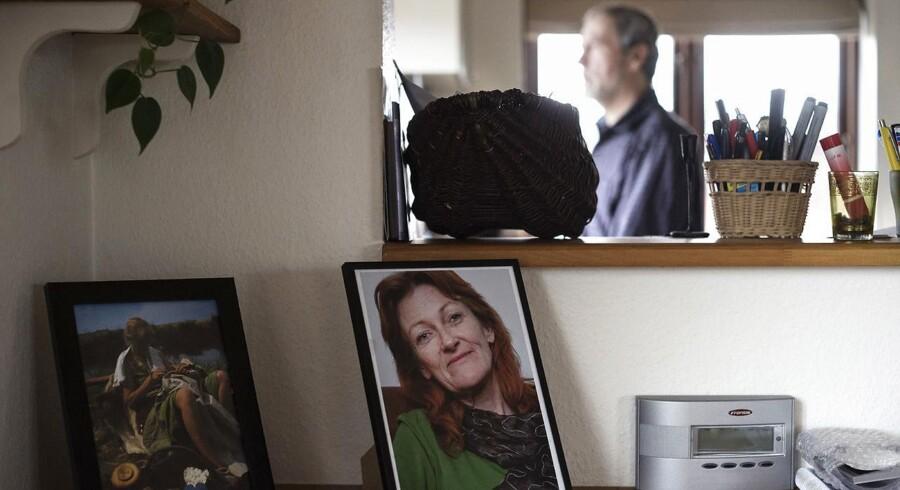 Per Clausen mistede sin samlever, Birgitte, for et par år siden, da hun døde efter en operation. Han finder trøst i, at han gav grønt lys for, at hun kunne bruges som organdonor, og at fire alvorligt syge mennesker nu er blevet reddet med organer fra Birgitte. En ny national handlingsplan for organdonation lægger op til at tage mere hånd om de pårørende til afdøde donorer, som både skal modtage en varm tak for deres offer og kan få adgang til oplysninger om modtagerne af organer. MagasinSøndag. Til BM