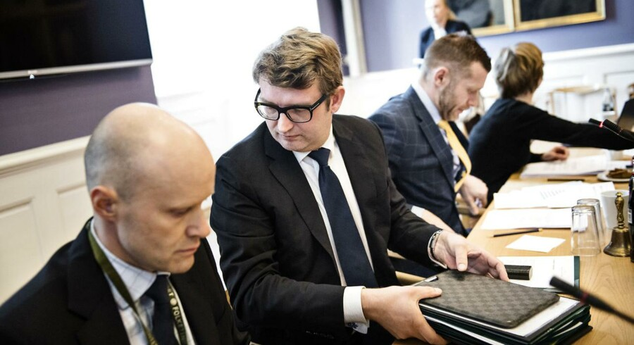 Erhvervs- og vækstminister Troels Lund Poulsen kaldt i samråd om realkreditten og de stigende bidragssatser. Fotograferet på Christiansborg tirsdag den 12. april 2016.