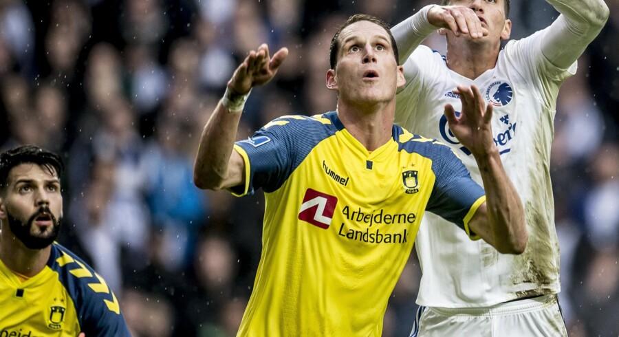 Det går fremad sportsligt og finansiel for Brøndby IF, der ligger nummer et i Danmarks bedste fodboldrække.