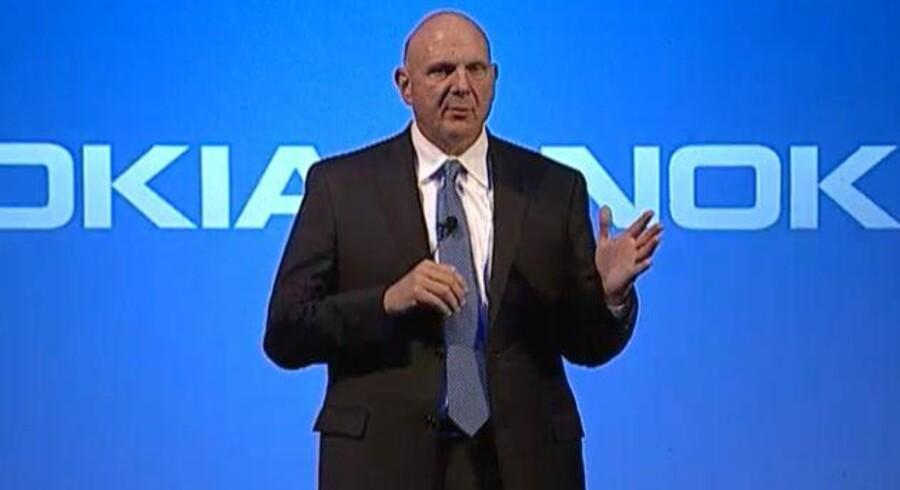 Microsofts afgående topchef, Steve Ballmer, lover ikke at flytte Nokias mobilekspertise ud af Finland.