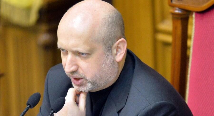 Ukraines fungerende præsident, Aleksandr Turtjinov siger, at enhver, der er ansvarlig for løsrivelsesbevægelsen på Krim-halvøen, skal straffes.