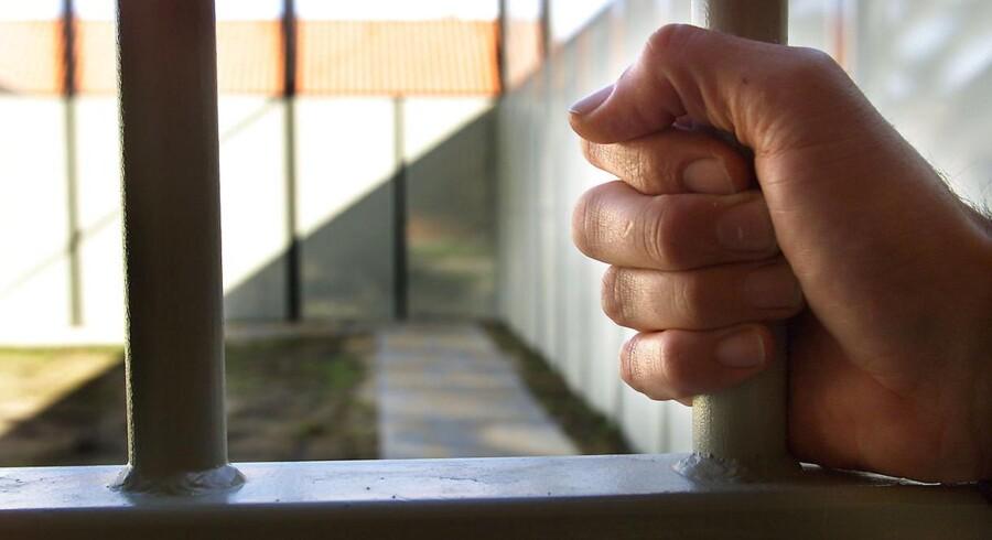 Omkring hver femte indsatte i danske fængsler er muslim, og regeringen anerkender i en handlingsplan, at der er behov for at styrke indsatsen i Kriminalforsorgen mod radikalisering.