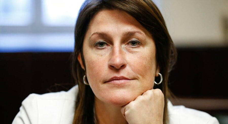 Transportministeriet er blevet beskyldt for at have ignoreret opsigtsvækkende EU-rapporter om store brister i sikkerheden i Belgiens lufthavne. Nu er minister, Jacqueline Galant, gået af.