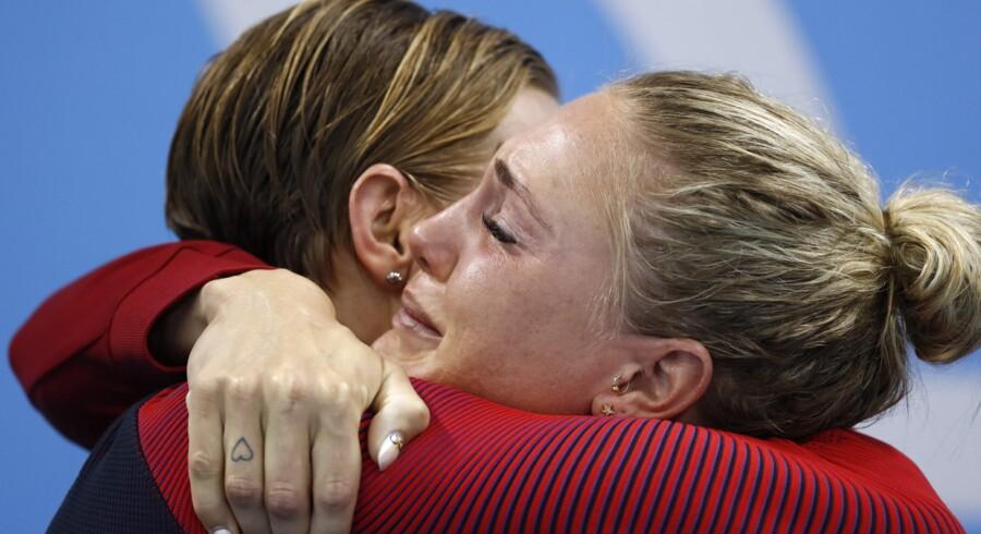 Jeanette Ottesen fik endelig en OL-medalje i hus, da hun sammen med Mie Ø. Nielsen, Rikke Møller Pedersen og Pernille Blume svømmede sig til bronze. Scanpix/Odd Andersen