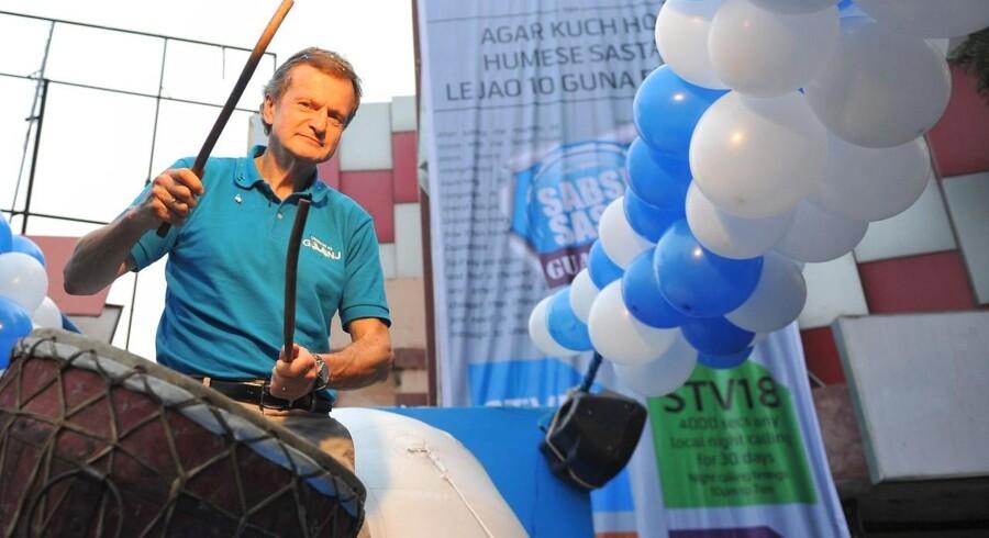 Jon Frederik Baksaas forlader først sin toppost i den norske telegigant Telenor om endnu et år, har han aftalt med bestyrelsen. Arkivfoto: Noah Seelam, AFP/Scanpix