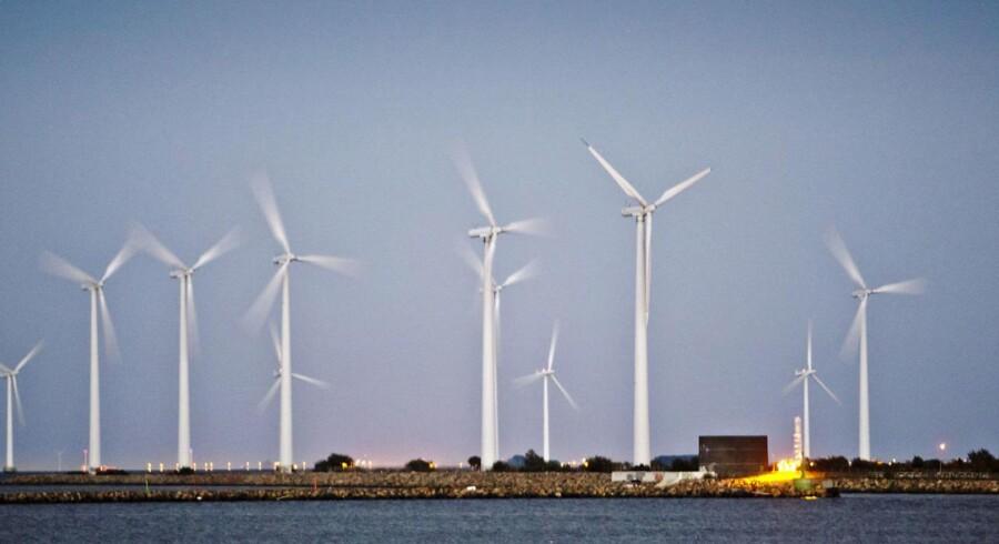 Dansk Fjernvarme beregnede for nylig, at alene den vindmøllestrøm, der blev eksporteret fra Danmark 2. januar i år (40.000 MWh), var så omfattende, at den i princippet ville have kunnet varme en stor dansk provinsby som Hjørring eller Viborg op i et halvt år.